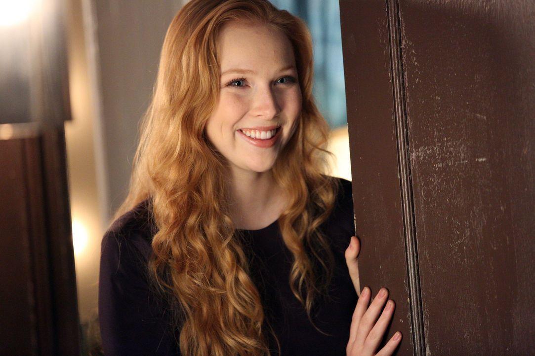 Alexis (Molly C. Quinn) freut sich über den Besuch ihres Vaters und ihrer Großmutter, doch die Freude währt nicht lang ... - Bildquelle: ABC Studios