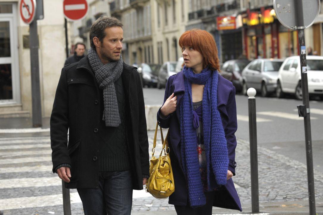 Sind sich nicht immer über die Ermittlungsmethoden einig: Chloé (Odile Vuillemin, r.) und Matthieu (Guillaume Cramoisan, l.) ... - Bildquelle: 2008 - Beaubourg Audiovisuel/BeFilms/RTBF (Télévision Belge)