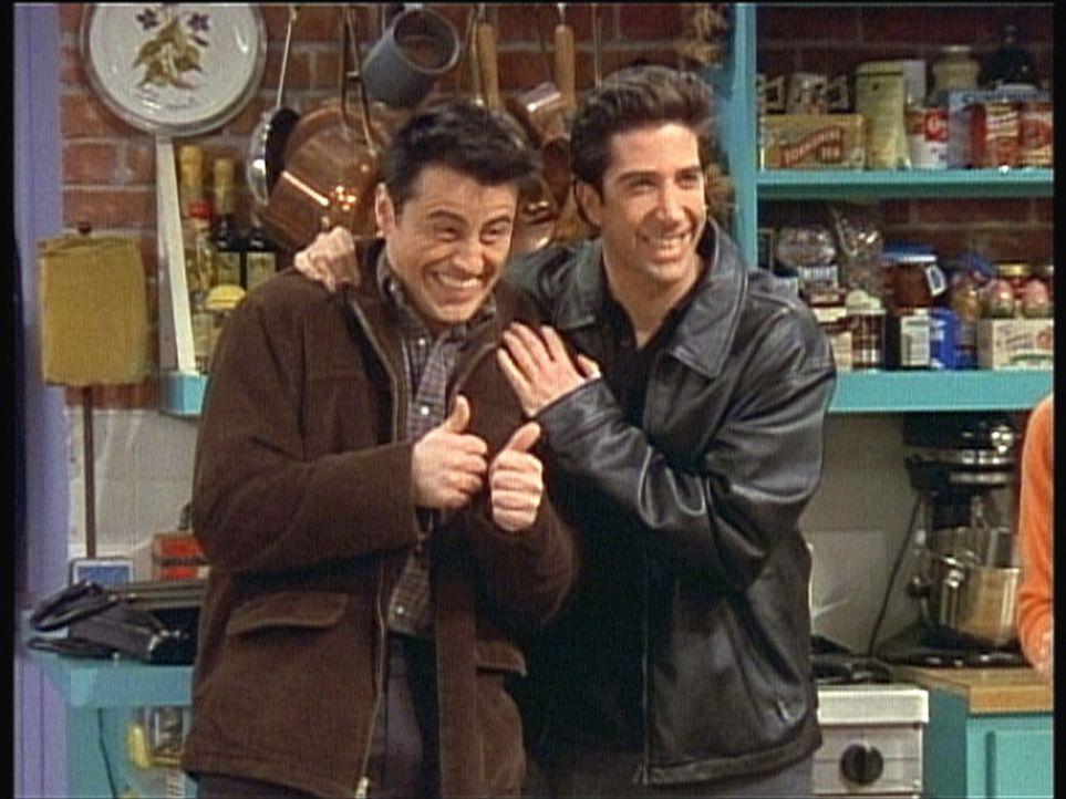 Beim Casting eine Runde weiter: Ross (David Schwimmer, r.) und Joey (Matt LeBlanc, l.) ... - Bildquelle: TM+  2000 WARNER BROS.