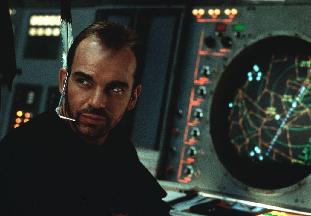 Fluglotse Russell Bell (Billy Bob Thornton) scheint seinem Kontrahenten in allen Belangen überlegen zu sein. Das kann sich Nick natürlich nicht ge... - Bildquelle: TWENTIETH CENTURY FOX