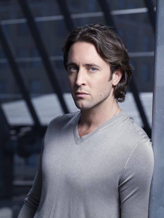 (1. Staffel) - Als Privatdetektiv kämpf der Vampir Mick (Alex O'Loughlin) nicht nur gegen Schwerverbrecher, sondern auch gegen Leute seinesgleichen... - Bildquelle: Warner Brothers