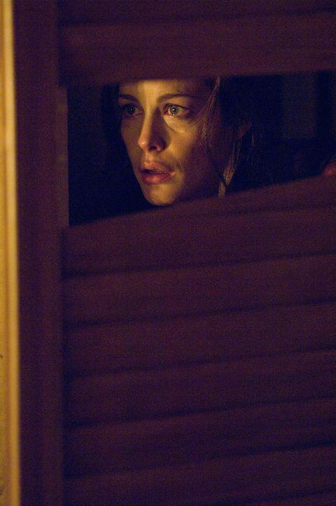 Plötzlich findet Kristen (Liv Tyler) dubiose Kritzeleien auf den Fensterscheiben des einsam gelegenen Wochenendhäuschen ihres Freundes vor, die si... - Bildquelle: Glenn Watson 2007 Focus Features LLC.  All Rights Reserved.