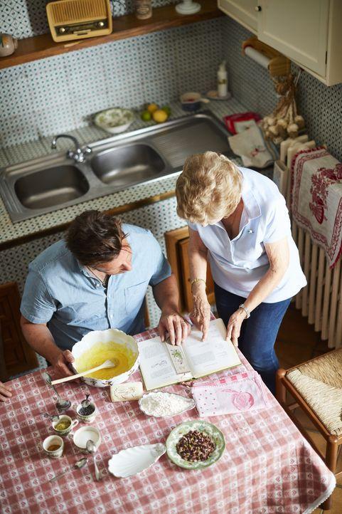 Jamie Oliver (l.) - Bildquelle: David Loftus DAVID LOFTUS