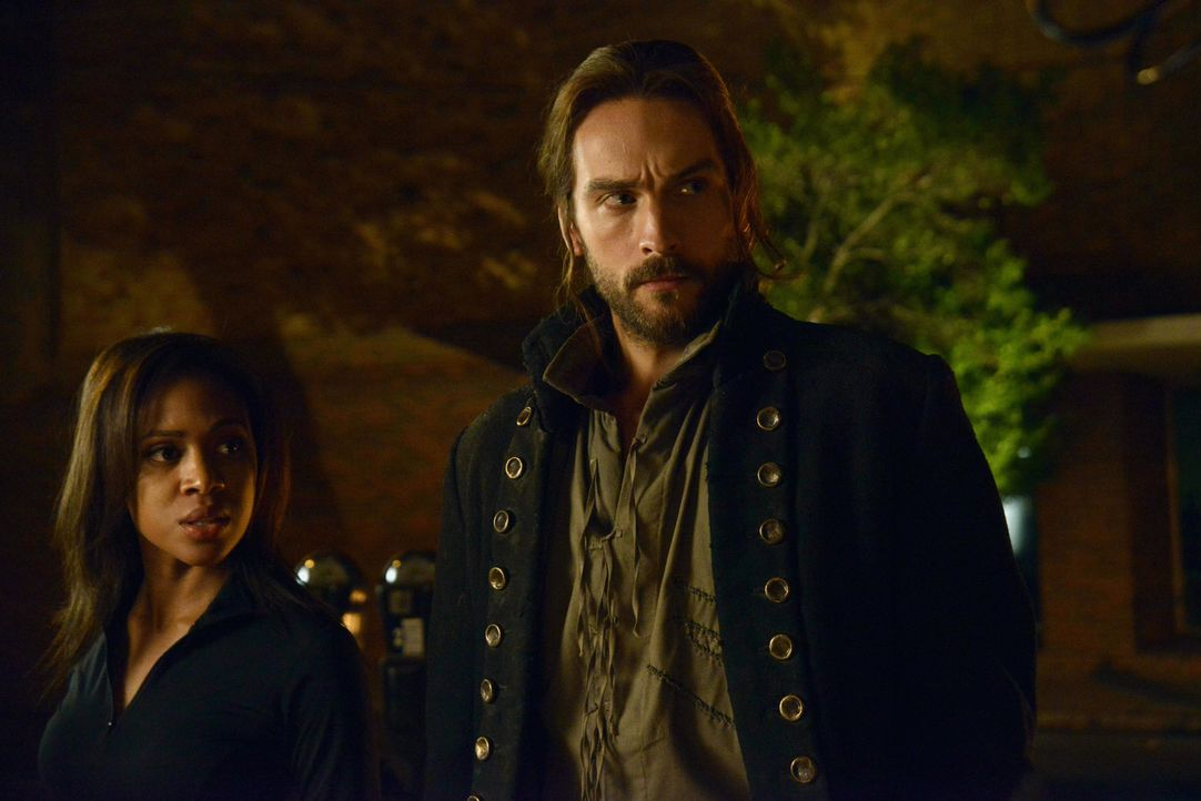Erkennen Abbie (Nicole Beharie, l.) und Ichabod (Tom Mison, r.) zu spät, dass etwas ganz und gar nicht stimmt? - Bildquelle: 2014 Fox and its related entities. All rights reserved.