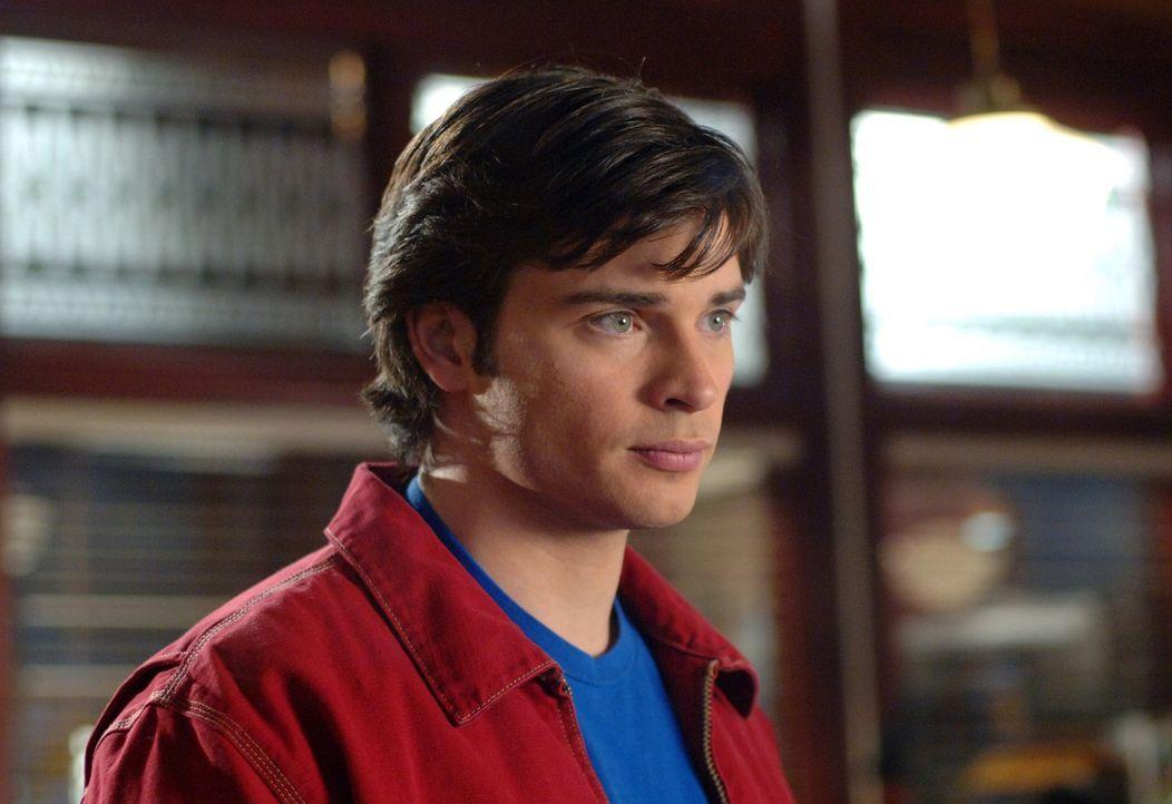 Wiederwillig nimmt Clark (Tom Welling) das Angebot von Lex an, ihm zu helfen ... - Bildquelle: Warner Bros.