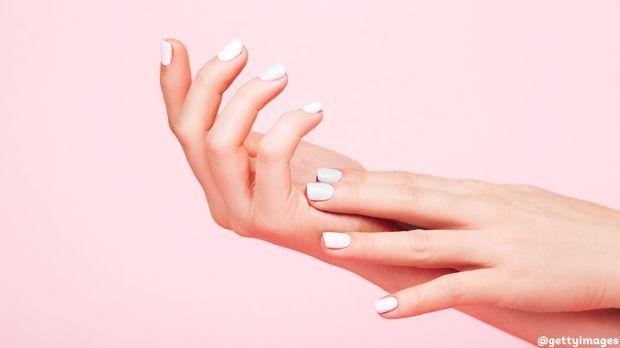 Sns Nails Lost Der Nagel Trend Klassische Gelnagel Ab