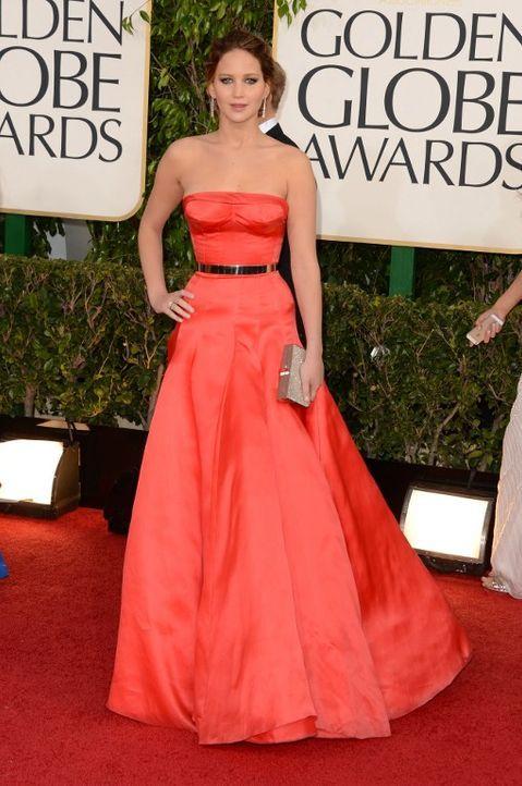 Jennifer Lawrence glänzt auf dem Roten Teppich der Golden Globes - Bildquelle: AFP