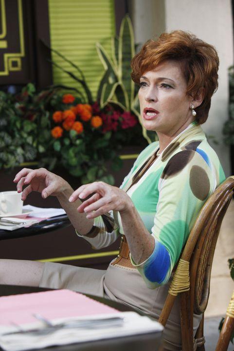 Gibt Jules gutgemeinte Ratschläge: Barb (Carolyn Hennesy) ... - Bildquelle: 2009 ABC INC.