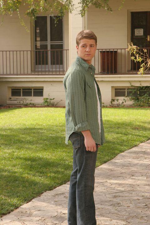 Ryan (Benjamin McKenzie) setzt sich dafür ein, dass Marissa wieder auf die Harbor School darf ... - Bildquelle: Warner Bros. Television
