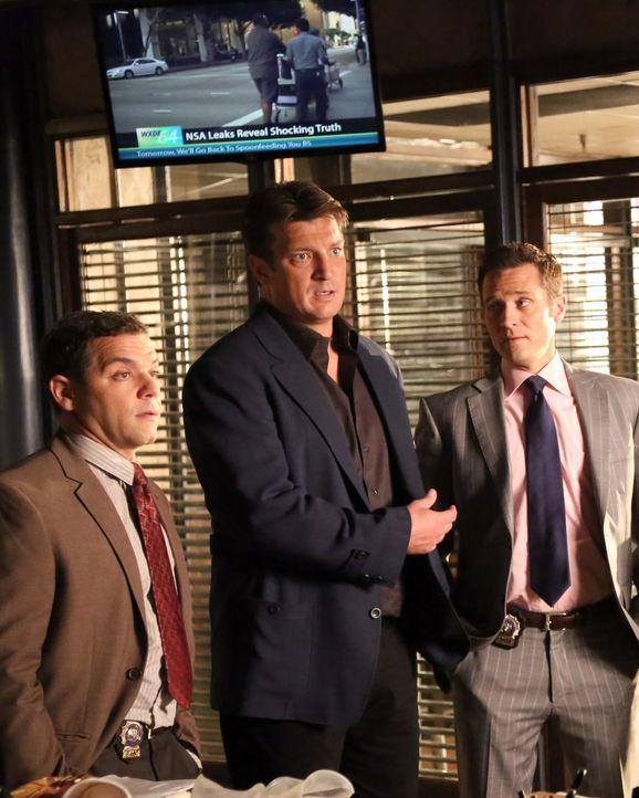 Der Nachfolger von Beckett, Sully (Joshua Bitton, l.), weiß genau, dass Castle (Nathan Fillion, M.) an Tatorten nichts mehr zu suchen hat. Kevin Rya... - Bildquelle: ABC Studios