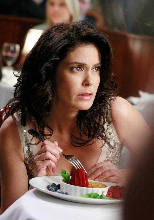 Wartet auf den langersehnten Heiratsantrag: Susan (Teri Hatcher) ... - Bildquelle: 2005 Touchstone Television  All Rights Reserved