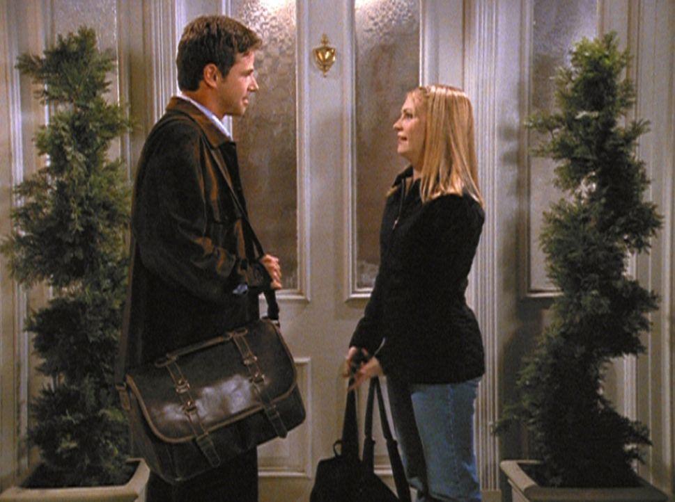 Sabrina (Melissa Joan Hart) und Josh (David Lascher, l.) haben einen stressigen Abend hinter sich ... - Bildquelle: Paramount Pictures