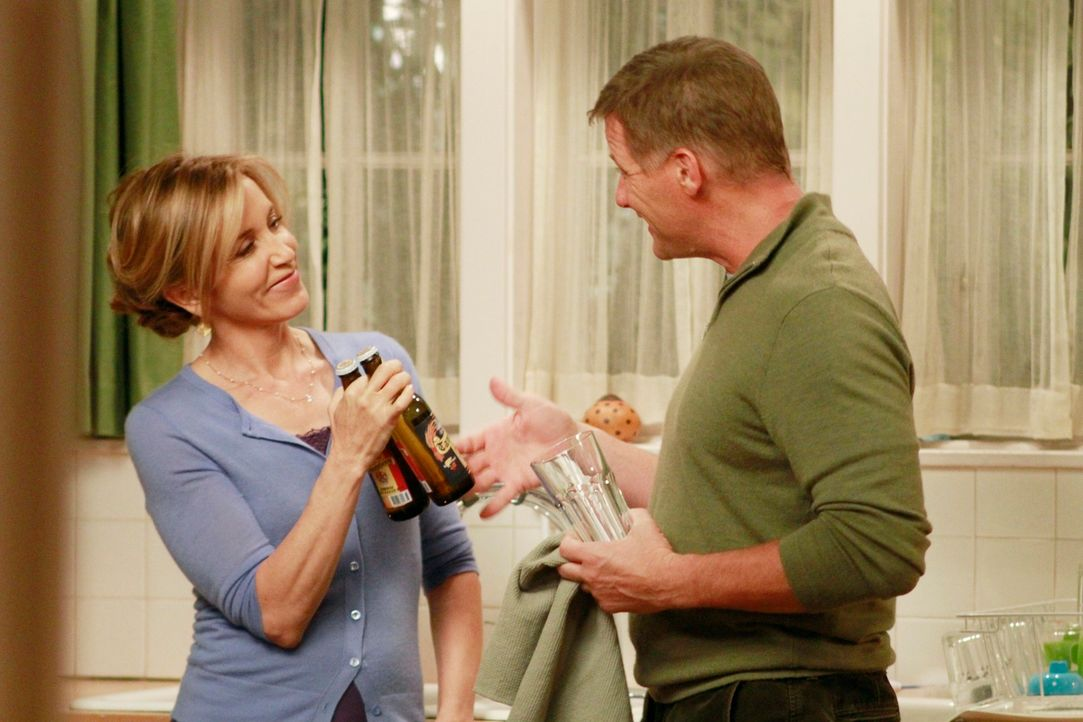 Hat ihre Ehe noch eine Chance? Lynette (Felicity Huffman, l.) und Tom (Doug Savant, r.) ... - Bildquelle: ABC Studios
