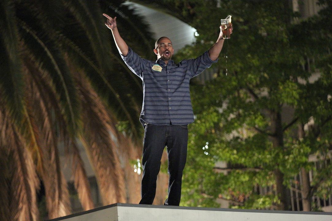 Kann Coach (Damon Wayans Jr.) wirklich einschätzen, wie viel Alkohol er verträgt? - Bildquelle: 2014 Twentieth Century Fox Film Corporation. All rights reserved.