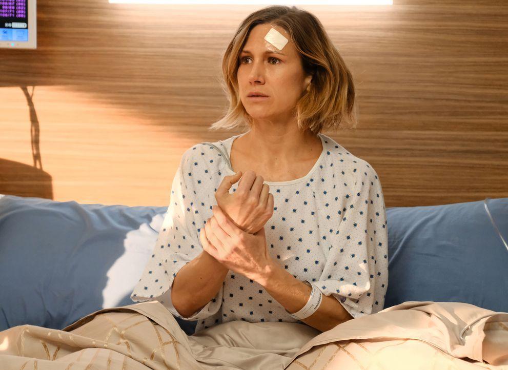 Jane Doe (Jennifer Landon) stolpert orientierungslos ins Krankenhaus und scheint, psychisch schwer krank zu sein. Können die Ärzte ihr helfen? - Bildquelle: 2018 Fox and its related entities. All rights reserved.