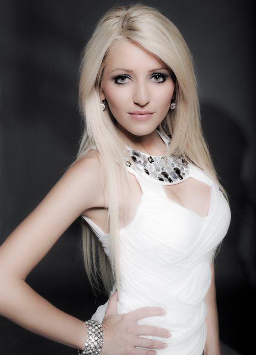 4 Blondes - Jasna - Bildquelle: Oliver S / sixx