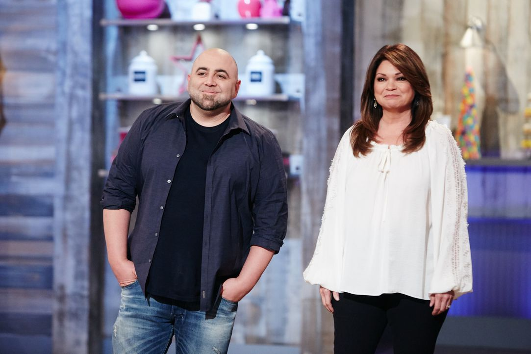 Duff Goldman (l.); Valerie Bertinelli (r.) - Bildquelle: Adam Rose 2016, Television Food Network, G.P. All Rights Reserved./Adam Rose