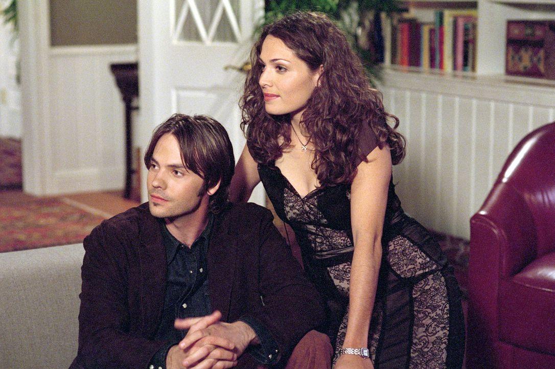 Haben die beiden eine Chance auf eine gemeinsame Zukunft? Sarah (Sarah Danielle Madison, r.) und Matt (Barry Watson, l.) ... - Bildquelle: The WB Television Network