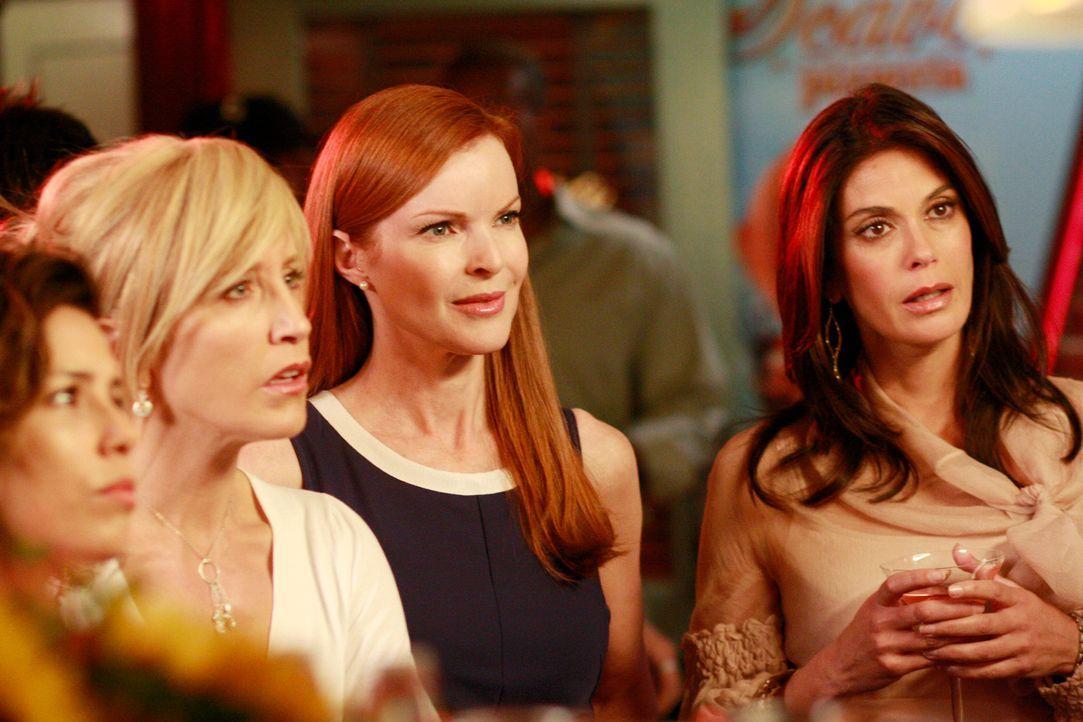 Fünf Jahre sind ins Land gezogen und bei Lynette (Felicity Huffman, 2.v.l.), Susan (Teri Hatcher, r.), Gabrielle (Eva Longoria, l.), Bree (Marcia Cr... - Bildquelle: ABC Studios
