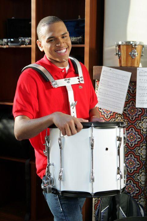 Kaitlin muss mit Will (Chris Brown) einem Musikfreak zusammen arbeiten - sie erhofft sich dadurch wenig arbeite, doch der Schuss geht nach hinten lo... - Bildquelle: Warner Bros. Television