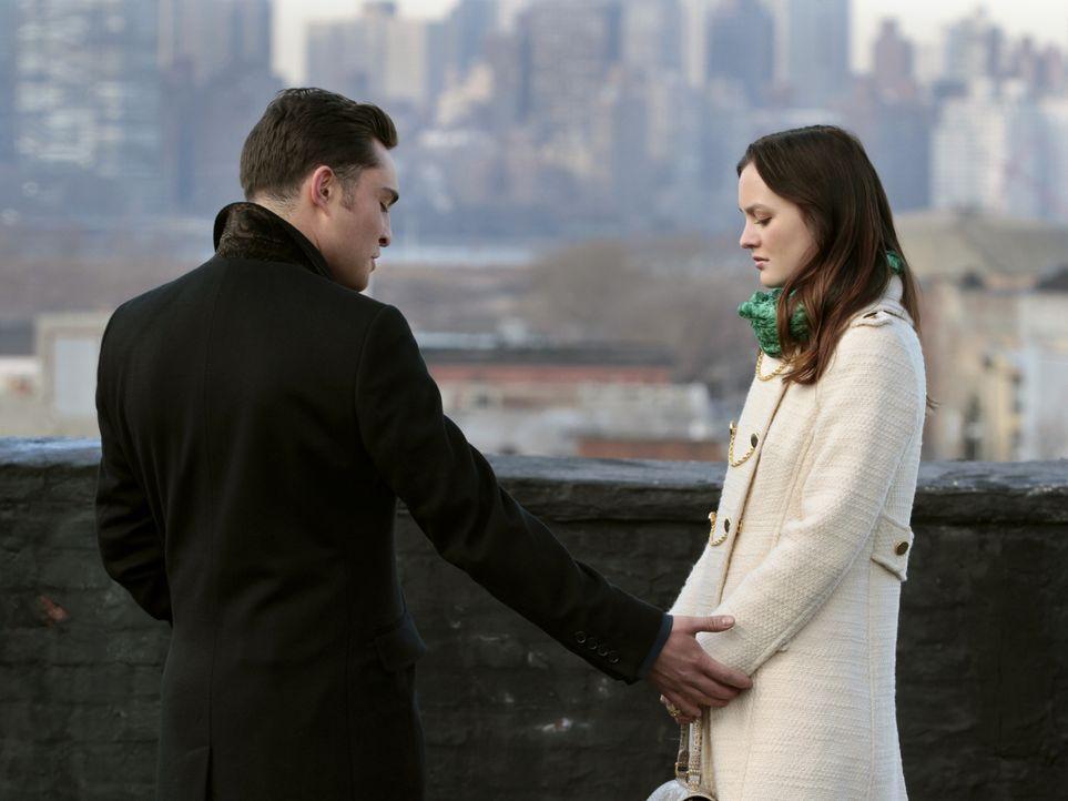 Wie geht es zwischen Blair (Leighton Meester, r.) und Chuck (Ed Westwick, l.) weiter? - Bildquelle: Warner Bros. Television