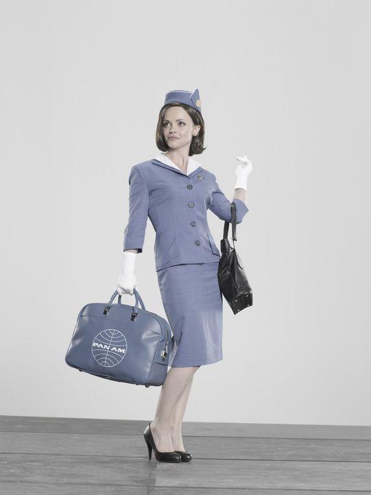 (1.Staffel) - Die ranghöchste Stewardess Maggie Ryan (Christina Ricci) liebt es, gegen Regeln und Normen zu verstoßen ... - Bildquelle: 2011 Sony Pictures Television Inc.  All Rights Reserved.
