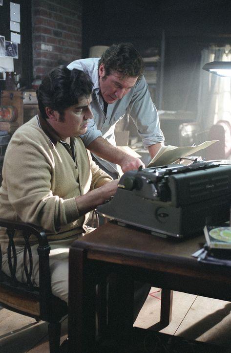 Die beiden Schriftsteller Clifford Irving (Richard Gere, r.) und Dick Suskind (Alfred Molina, l.) erhoffen sich den ganz großen Durchbruch. Doch wi... - Bildquelle: 2006 Miramax Films.