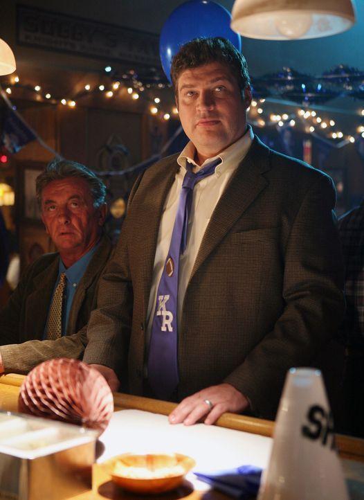 Owen (Brad William Henke) wurde bei einem Einbruch in Nicks Universität festgenommen ... - Bildquelle: ABC Studios