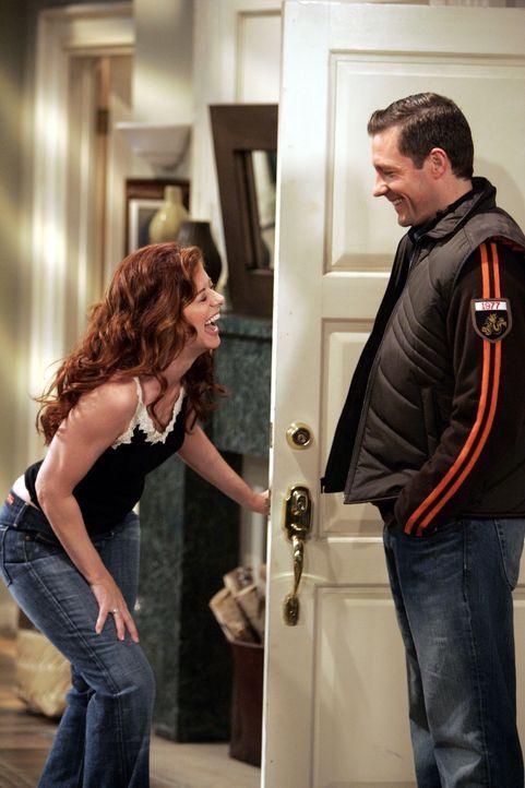 Grace (Debra Messing, l.) schleppt Will zu ihrem ersten Date mit Nick (Edward Burns, r.), damit er sie im Auge behält. Ob das gut geht? - Bildquelle: Chris Haston NBC Productions