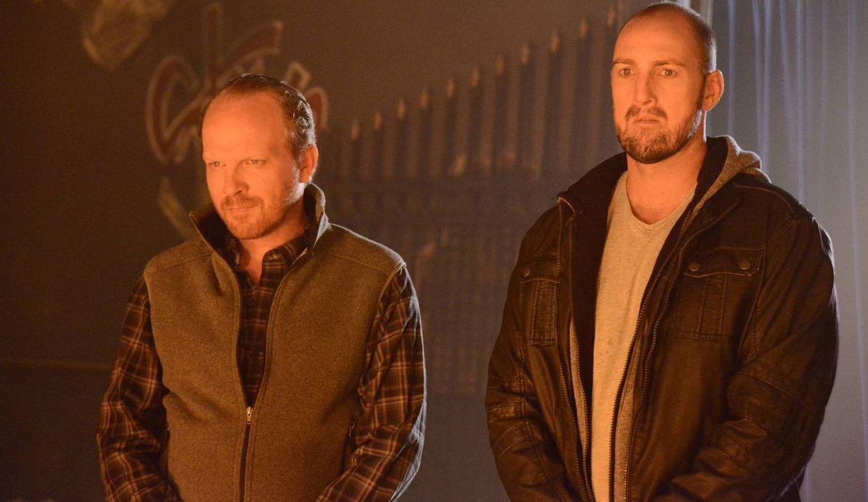 Mit ihnen ist nicht zu Spaßen: Hagan (Lars Gerhard, l.) und Armin (Kevin Cassidy, r.) ... - Bildquelle: 2013 Twentieth Century Fox Film Corporation. All rights reserved.