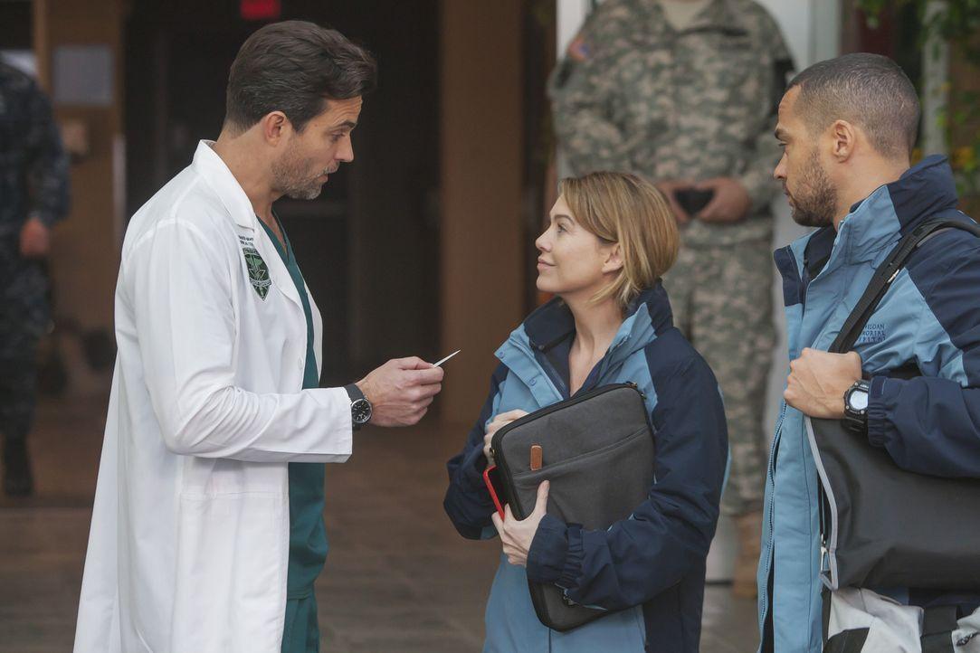 Während eine Gruppe Cheerleader ins Krankenhaus kommt und in der Notaufnahme für Verwüstung sorgt, versuchen Meredith (Ellen Pompeo, M.), Jackson (J... - Bildquelle: Ron Batzdorff ABC Studios
