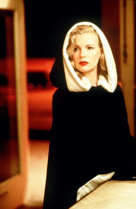 Dem geheimnisvollen Reiz der Edelnutte Lynn Bracken (Kim Basinger) kann kaum ein Mann widerstehen ... - Bildquelle: Warner Bros.