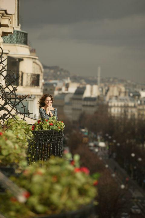 In ihrer neuen Heimat Paris muss Carrie (Sarah Jessica Parker) feststellen, dass außer Aleksandr sich niemand auf ihre Ankunft freut ... - Bildquelle: Paramount Pictures