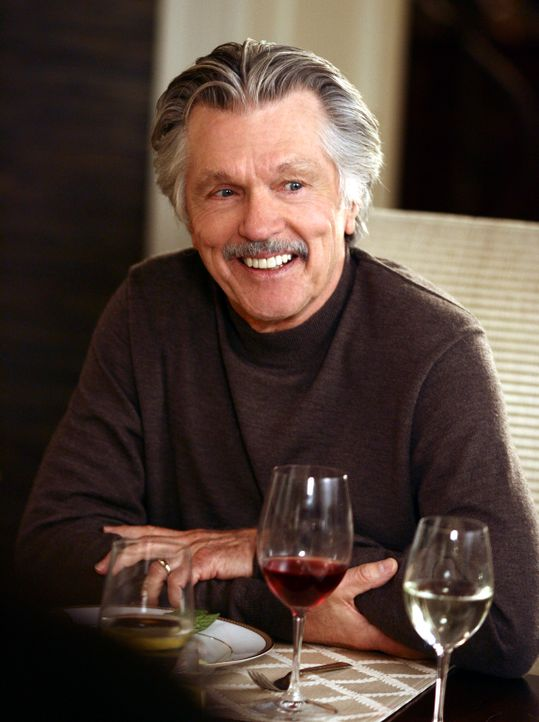 Besitzt in Kalifornien eine Lebensmittelfirma: William Walker (Tom Skerritt) ... - Bildquelle: Disney - ABC International Television