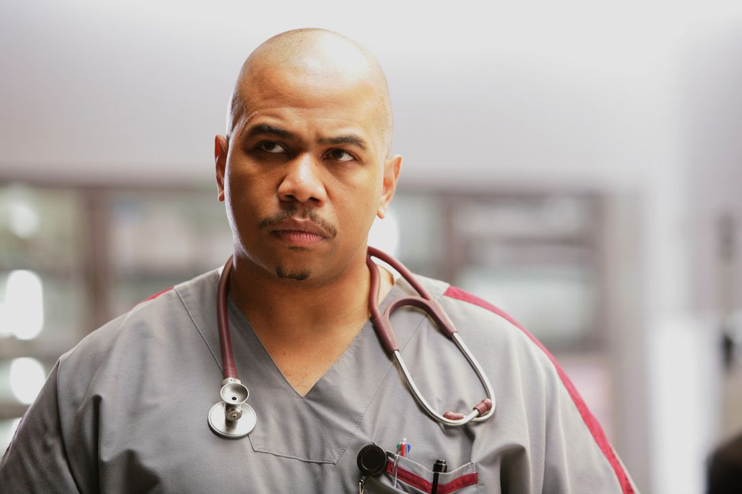 Chef-Pfleger des Ärzteteams im Miami Medical Hospital: Tuck Brody (Omar Gooding) ... - Bildquelle: Warner Brothers