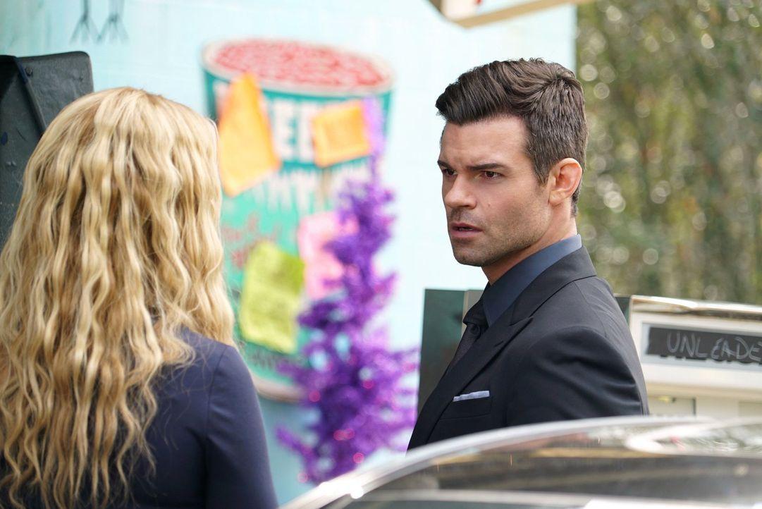 Wird sich das Misstrauen, das Rebekah (Claire Holt, l.) und Elijah (Daniel Gillies, r.) Klaus entgegenbringen wirklich bestätigt oder müssen die bei... - Bildquelle: Warner Bros. Entertainment Inc.