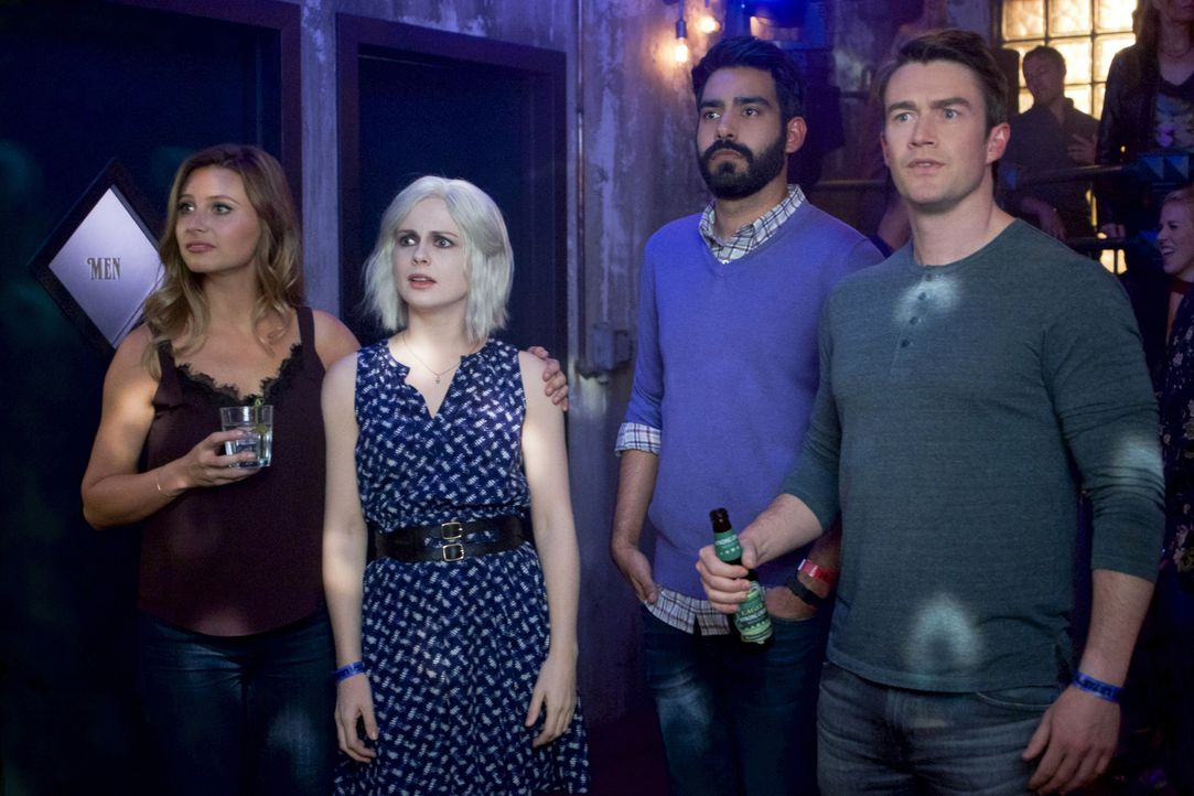 (v.l.n.r.) Peyton (Aly Michalka); Liv (Rose McIver); Ravi (Rahul Kohli); Major (Robert Buckley) - Bildquelle: Warner Bros.