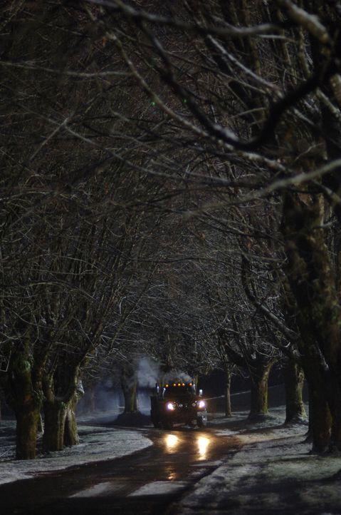 Ein mysteriöser Truck tötet unschuldige Menschen ... - Bildquelle: Warner Bros. Television
