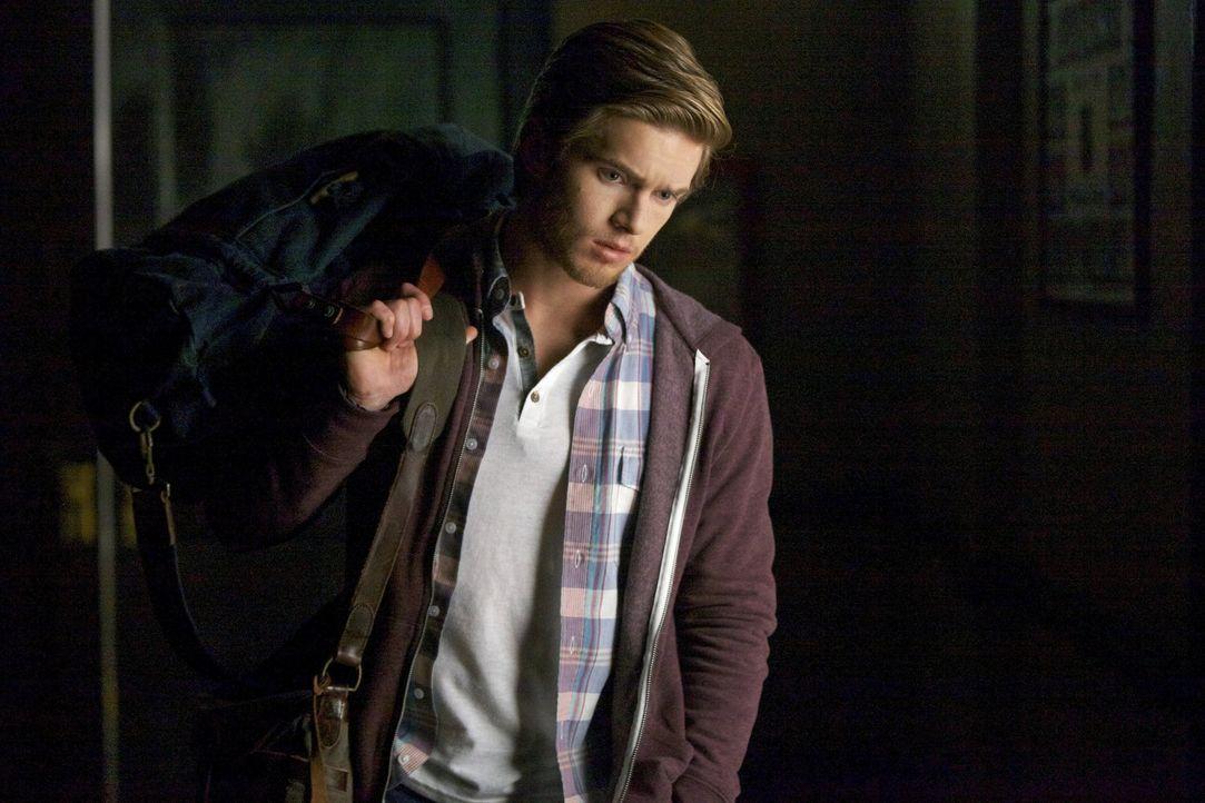 Ist der smarte Luke (Chris Brochu) tatsächlich nur ein harmloser Student? - Bildquelle: Warner Brothers