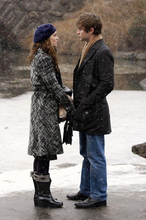 Kommen sich näher denn je: Nate (Chace Crawford, r.) und Blair (Leighton Meester, l.) ... - Bildquelle: Warner Brothers
