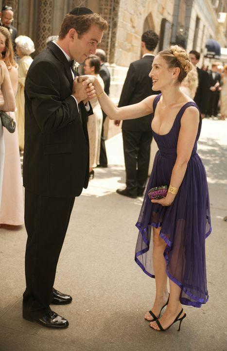 Als Carrie (Sarah Jessica Parker, r.) den charmanten Howie (Bryan Callen, l.) kennen lernt, begeht sie eine Leichtsinnigkeit, die sie aber überhaup... - Bildquelle: Paramount Pictures