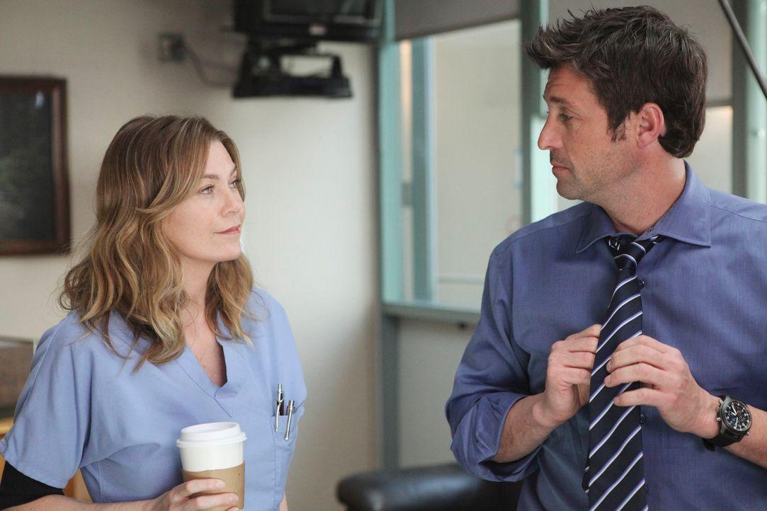 Derek (Patrick Dempsey, r.) beginnt, als vorübergehender Chief zu arbeiten und muss mit einem Gerichtsverfahren rechnen, als Merediths (Ellen Pompeo... - Bildquelle: Touchstone Television