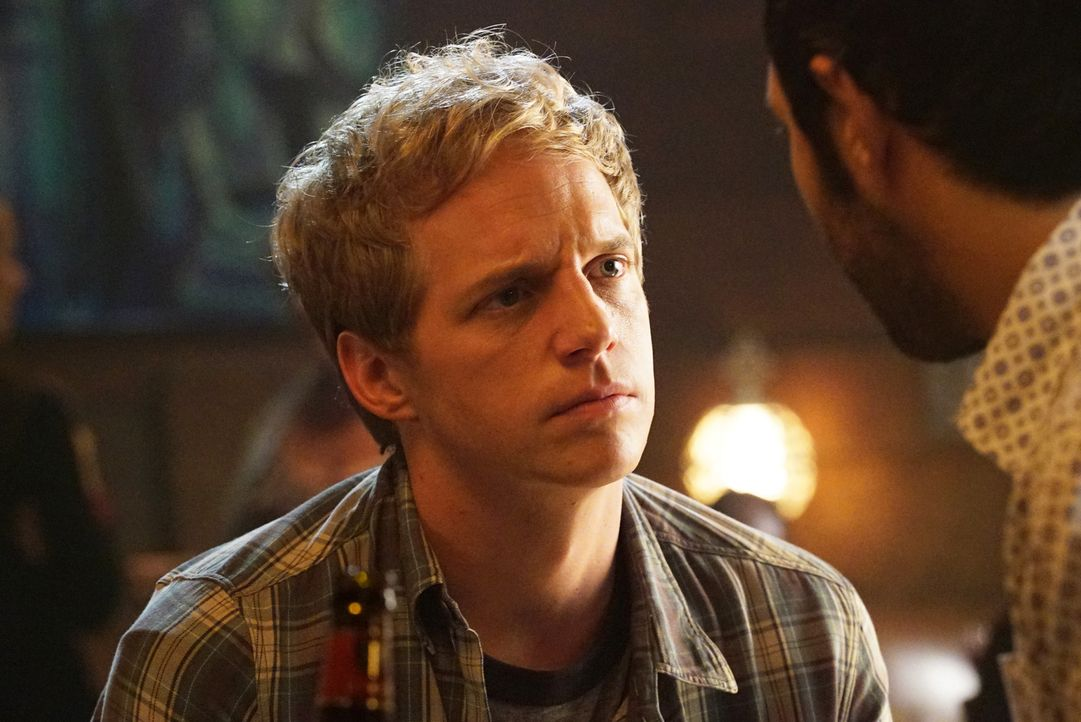 Als Jimmy (Chris Geere) einfach keine gute Geschichte für eine neue NCIS Folge einfallen will, beginnt er, sein ganzes Dasein als Autor in Frage zu... - Bildquelle: 2015 Fox and its related entities.  All rights reserved.