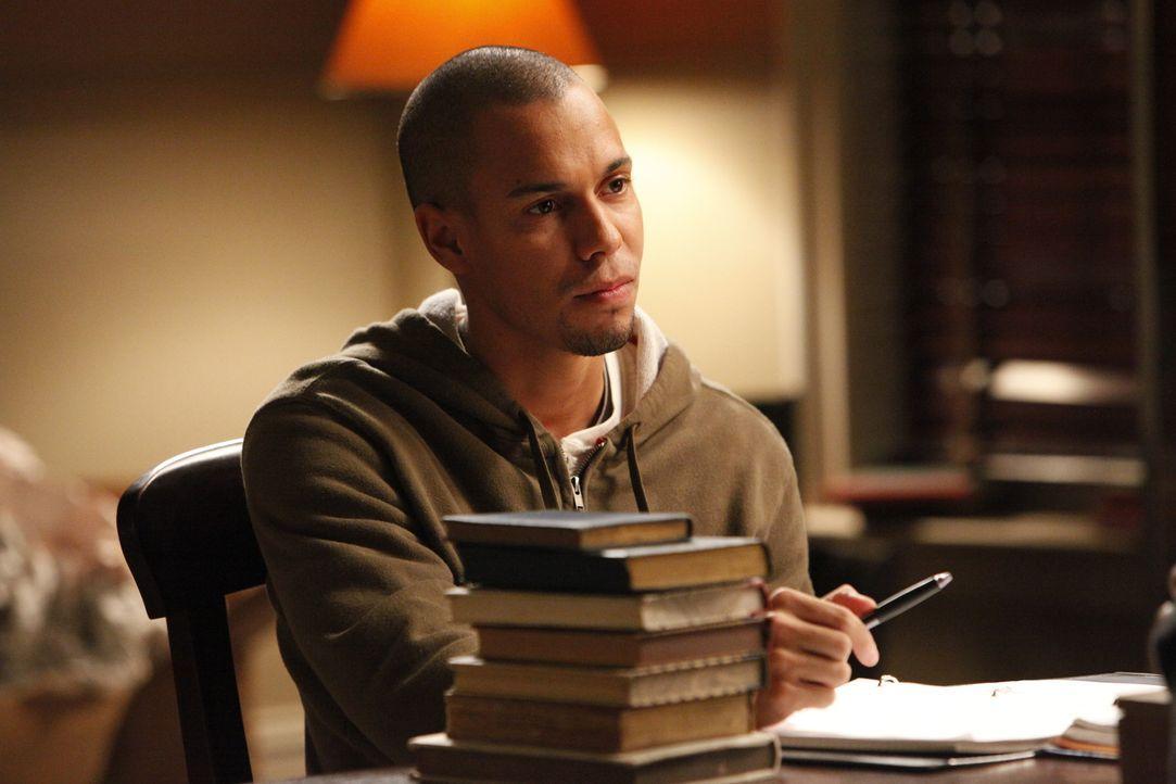 Möchte wissen, was Bonnie mit ihm am Abend zuvor angestellt hat: Luka (Bryton James)... - Bildquelle: Warner Brothers