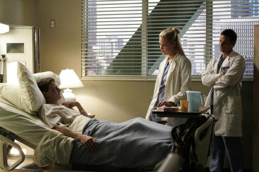 Während einer Visite bemerkt Izzie (Katherine Heigl, M.), eine ganz neue, weiche Seite an Alex Karev (Justin Chambers, r.) ... - Bildquelle: Touchstone Television