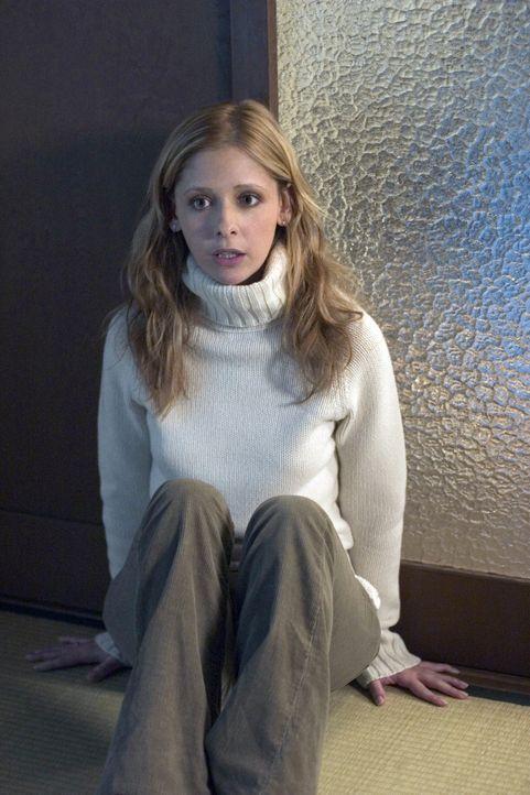 Nachdem Karen (Sarah Michelle Gellar) den Geist eines kleinen Jungen aus dem Schrank befreit hat, bekommt sie es langsam mit der Angst zu tun .... - Bildquelle: Constantin Film