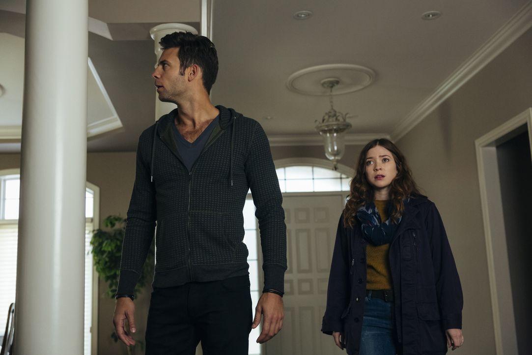Noch ahnt Nick (Steve Lund, l.) nicht, dass es keine gute Idee war, Katia (Sofia Banzhaf, r.) mit zu Rachel zu nehmen ... - Bildquelle: 2016 She-Wolf Season 3 Productions Inc.