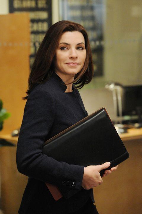 Arbeitet an einem neuen Fall: Alicia (Julianna Margulies) ... - Bildquelle: CBS Studios Inc. All Rights Reserved.