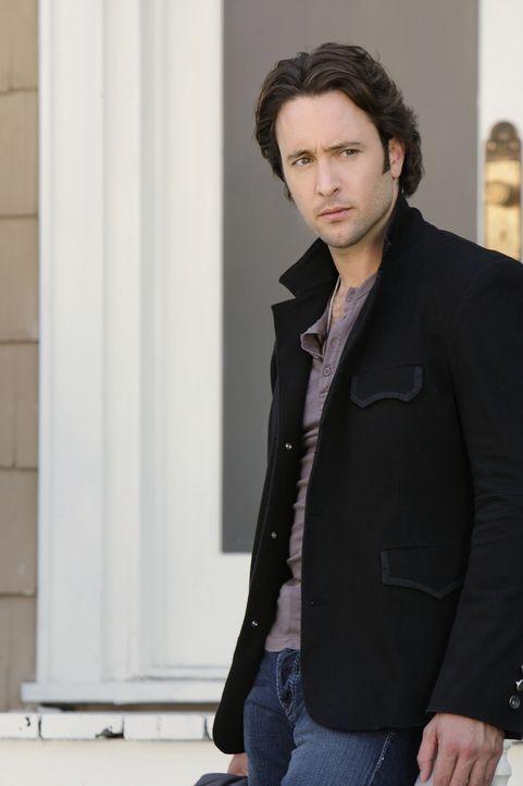 Ist seine Liebe so groß, dass er ihr den Gefallen erfüllt? Mick (Alex O'Loughlin) soll den entführten Lebensgefährten von Beth wiederfinden ... - Bildquelle: Warner Brothers