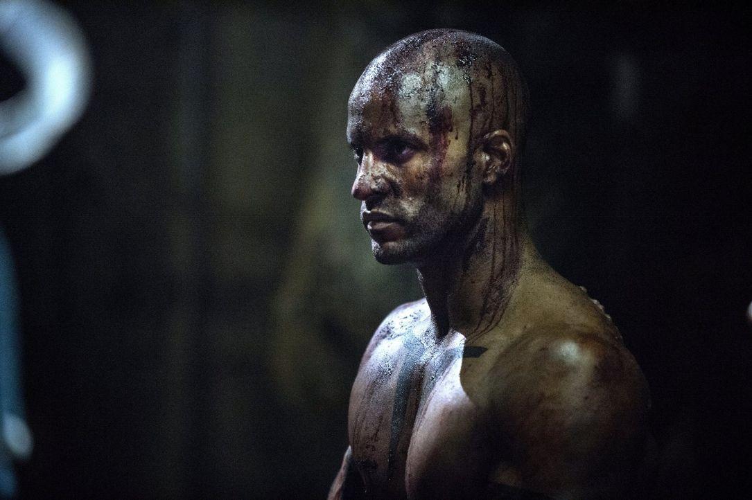 Octavia hofft, Lincoln (Ricky Whittle) aus den Fängen der Reaper befreien zu können. Doch ist er überhaupt dort? - Bildquelle: 2014 Warner Brothers